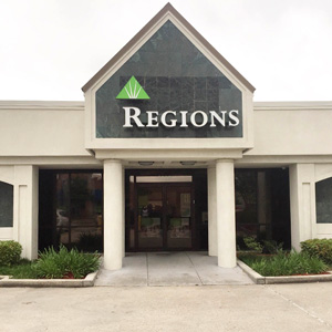 Regions Bank College Dr in Baton Rouge