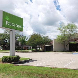 Regions Bank South Morrison in Hammond