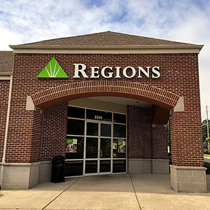 Regions Bank Mansfield Rd in Shreveport