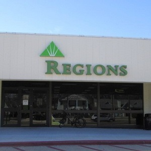 Regions Bank Youree Dr in Shreveport