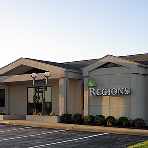 Regions Bank Ozark Corners in Ozark