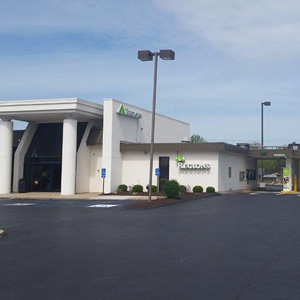Regions Bank South Campbell in Springfield