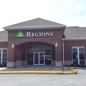 Regions Bank Creve Coeur West in Creve Coeur