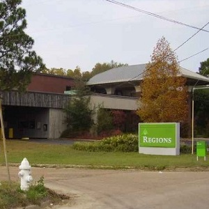 Regions Bank South West St in Jackson