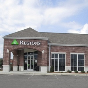 Regions Bank West Broadway in Hattiesburg
