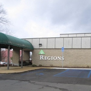 Regions Bank Ripley Center in Ripley