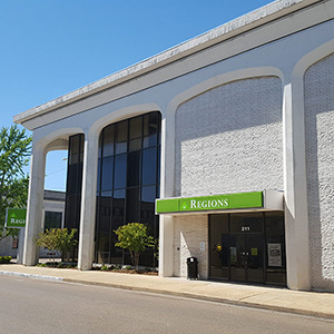 Regions Bank Clarksdale Main en Clarksdale