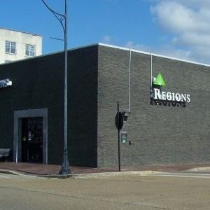 Regions Bank Cleveland Ms Main in Cleveland