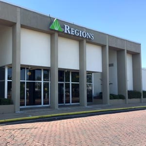 Regions Bank Greenwood Front St Main in Greenwood
