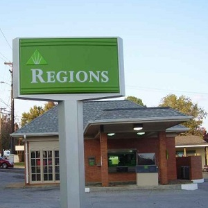 Regions Bank Louisville Northgate in Louisville