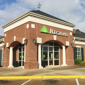 Regions Bank Highland Colony in Madison