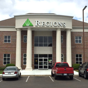 Regions Bank Laurel Main in Laurel