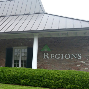 Regions Bank Magnolia Mall in Natchez