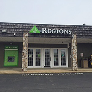 Regions Bank Signal Mountain in Signal Mountain