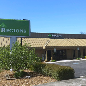 Regions Bank Winchester Main in Winchester