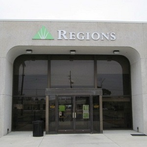 Regions Bank Whitehaven South in Memphis