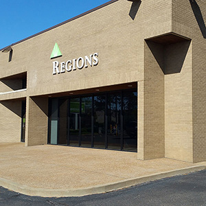 Regions Bank Fox Meadows 3558 S Mendenhall Rd in Memphis