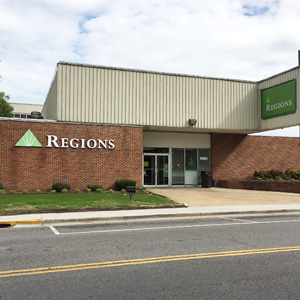 Regions Bank Dayton 1502 Market St in Dayton