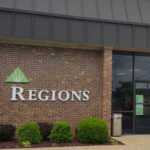 Regions Bank Hohenwald West in Hohenwald