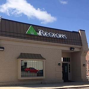 Regions Bank Smithville  in Smithville