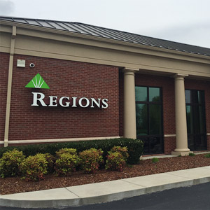 Regions Bank Brentwood Way in Brentwood