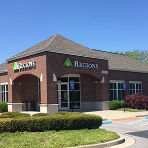 Regions Bank Parkway Commons in Franklin