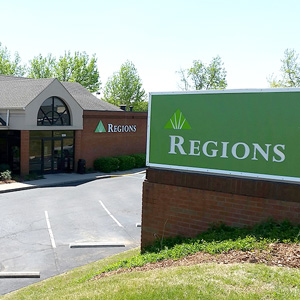 Regions Bank Franklin Murfreesboro Rd in Franklin