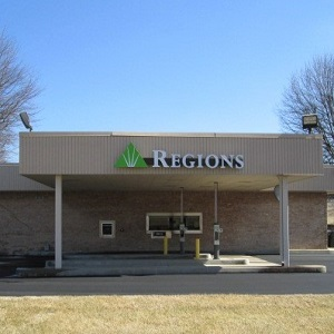 Regions Bank Shadybrook in Columbia