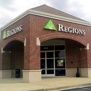 Regions Bank Glenbrook in Hendersonville