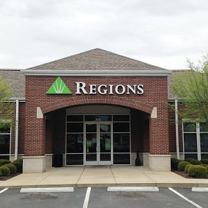 Regions Bank Village On Memorial in Murfreesboro