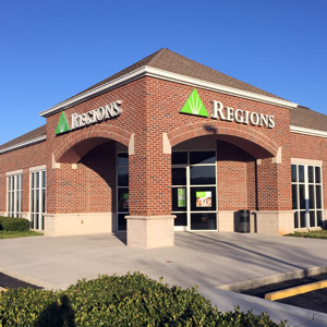 Regions Bank Emory Rd in Powell