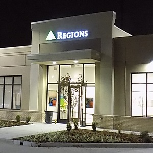 Regions Bank Lufkin Main in Lufkin
