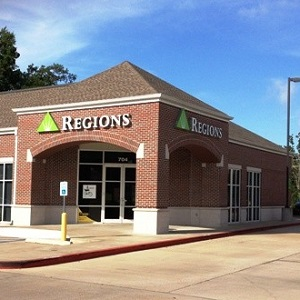 Regions Bank Gaslight in Lufkin