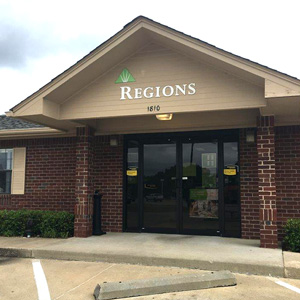 Regions Bank Tanglewood Tyler in Tyler