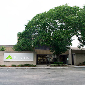Regions Bank Tomball in Tomball