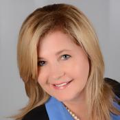 Mortgage Lender Gina Hopf in Tampa