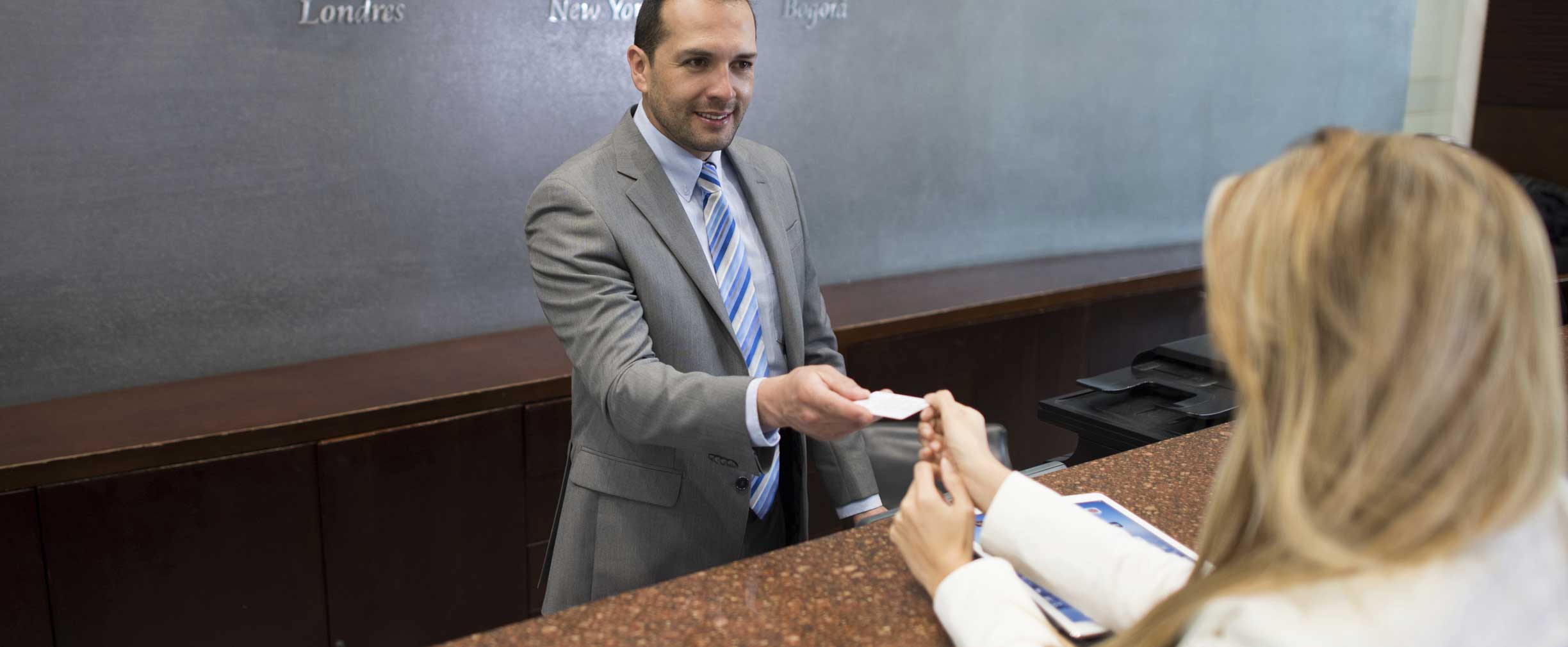 Benefits of Using a Credit Card When You Travel | Regions
