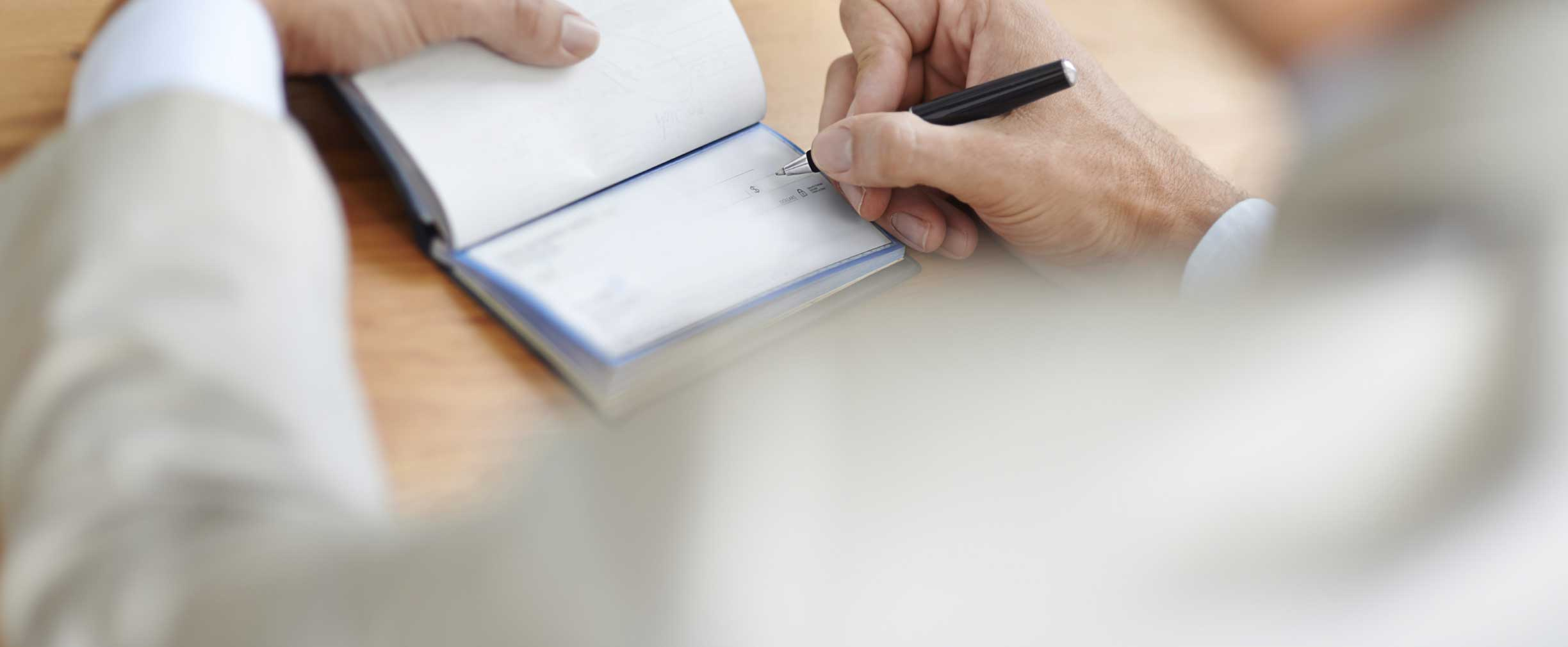 administrar una cuenta de cheques