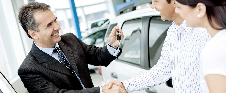 Arrendar o comprar un auto