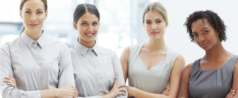 mujeres en el ámbito comercial