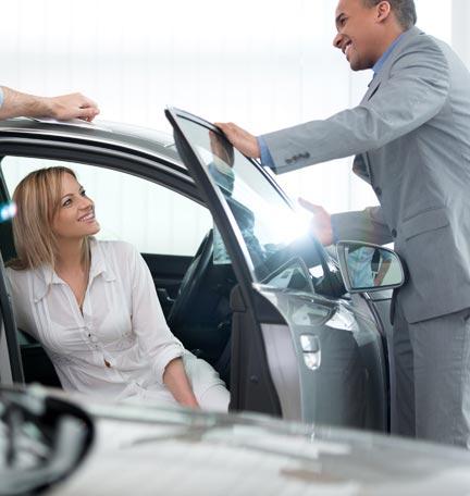 decidir entre un auto nuevo o un auto usado