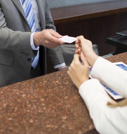 usar una tarjeta de crédito mientras viaja