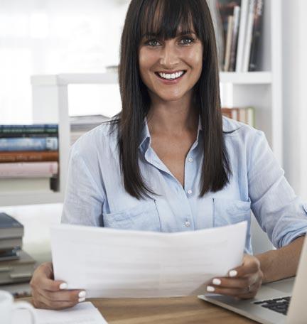 reducir la disparidad financiera entre géneros
